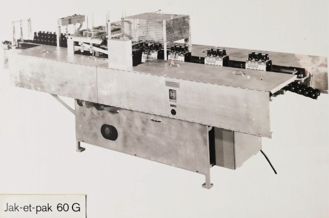 "The Packaging machine type ""Jet-et-pak"
