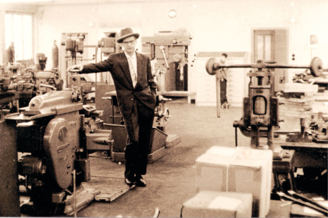 The company founder Wilhelm Fischer before the mechanical production